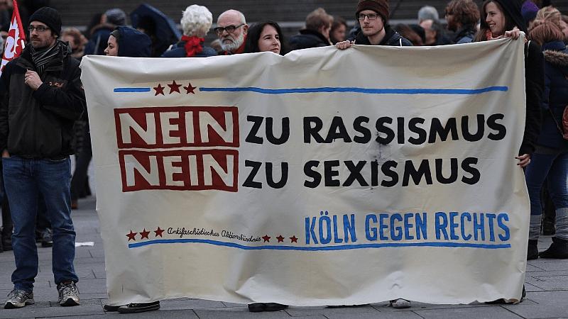 «آموزش مهاجرین» و «اصلاح قوانین» دو خواسته اصلی فعالین حقوق زن در آلمان