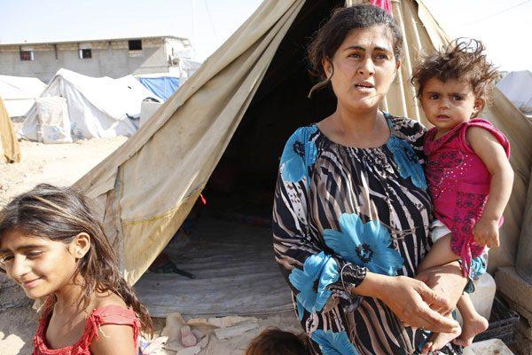حیات برهنه زنان در کمپهای آوارگی