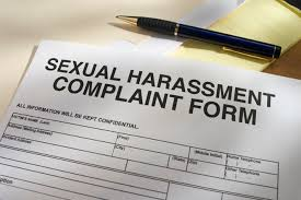 قضاوتهای غلط بار روانی آزارها بر زنان شاغل را افزایش میدهد