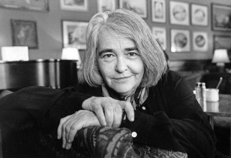 به مناسبت درگذشت کیت میلت فمینیست آمریکایی راوی اعتراضات زنان ایرانی / ساناز محسن پور