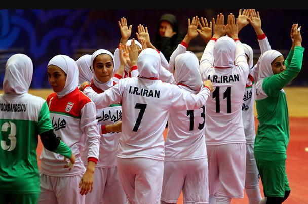 ورزش زنان به جای پرچمداری نمایشی، حمایت واقعی میخواهد/ نیلوفر حامدی