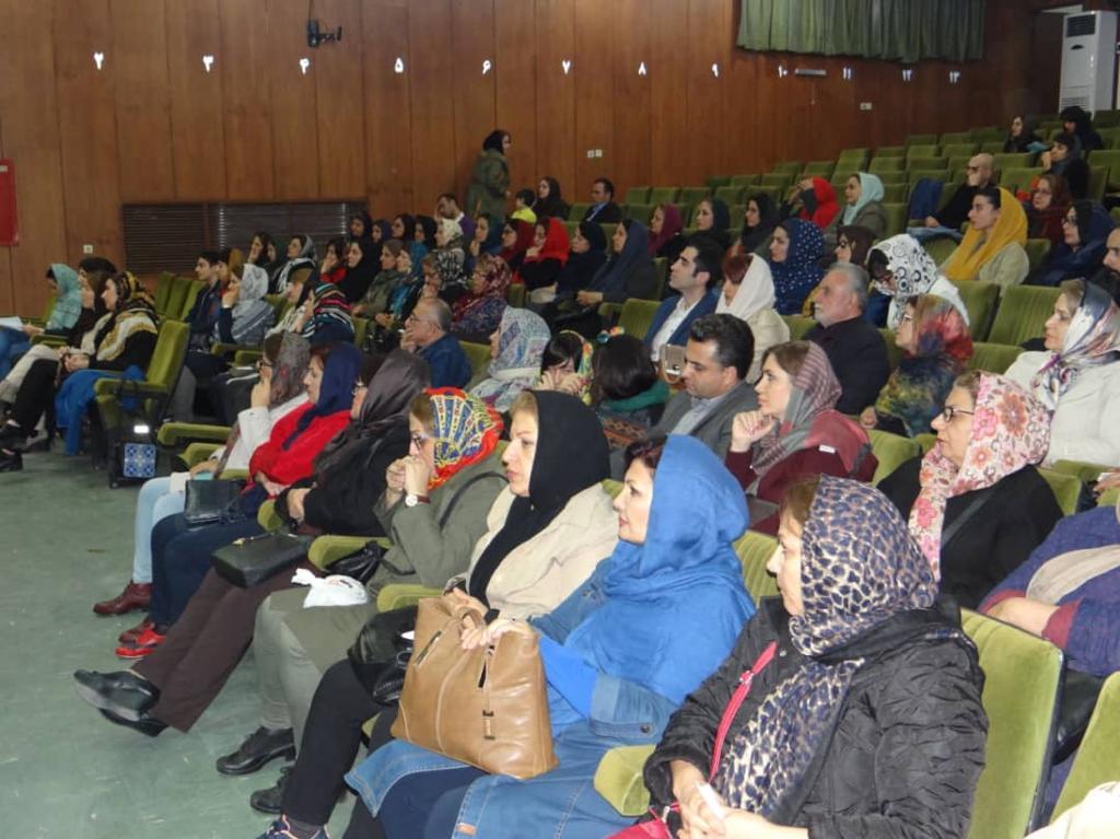 برگزاری نشست به مناسبت ۲۵ نوامبر در رشت