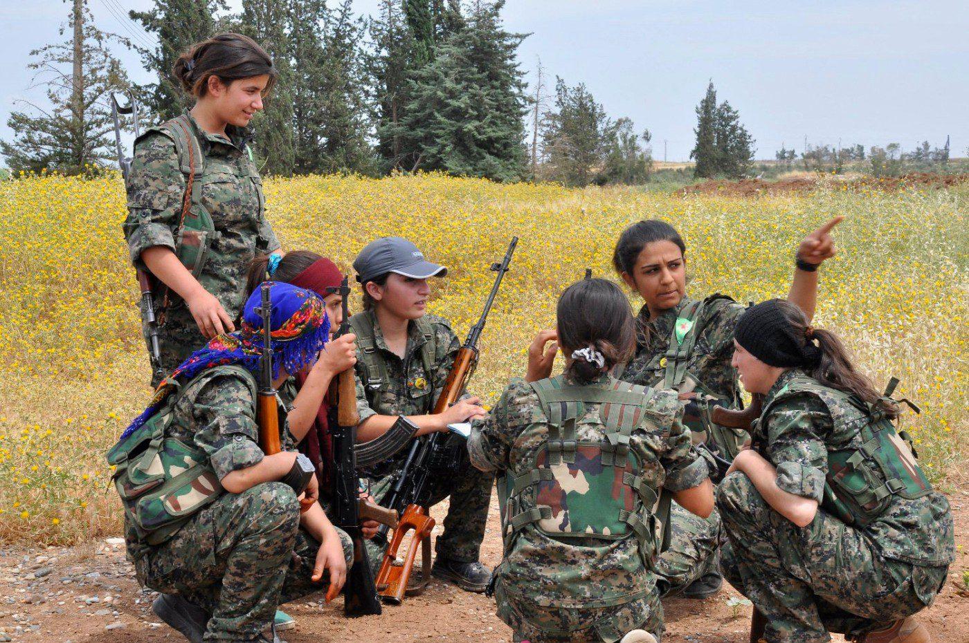 زنان و جنگ